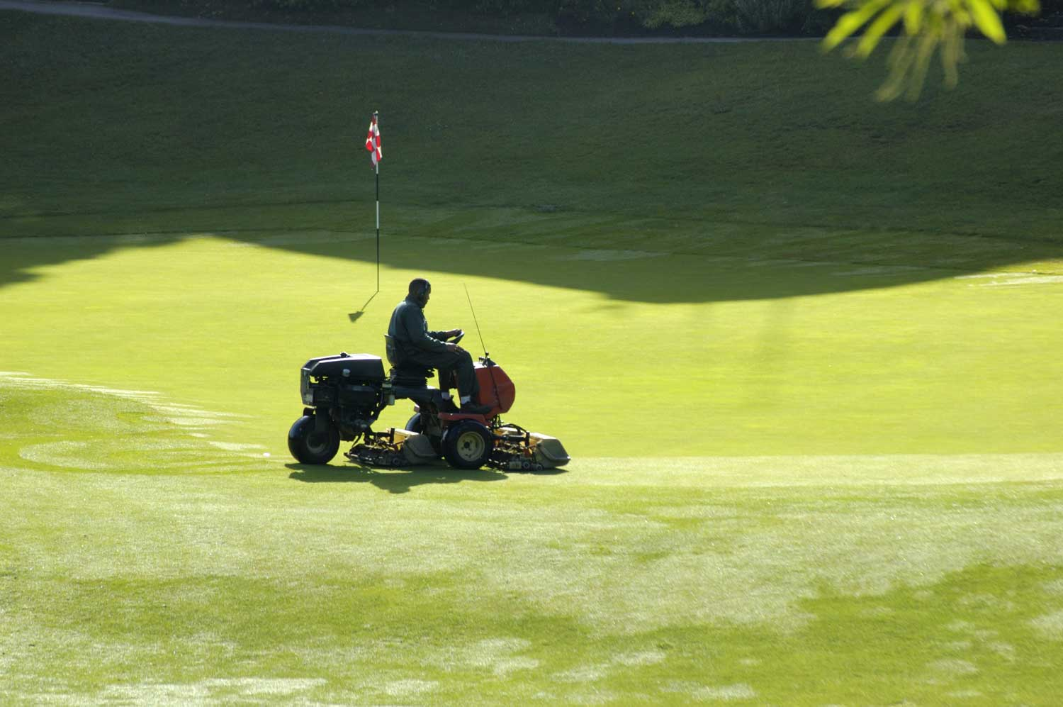 Golf Course Mowing - OGM Landscape